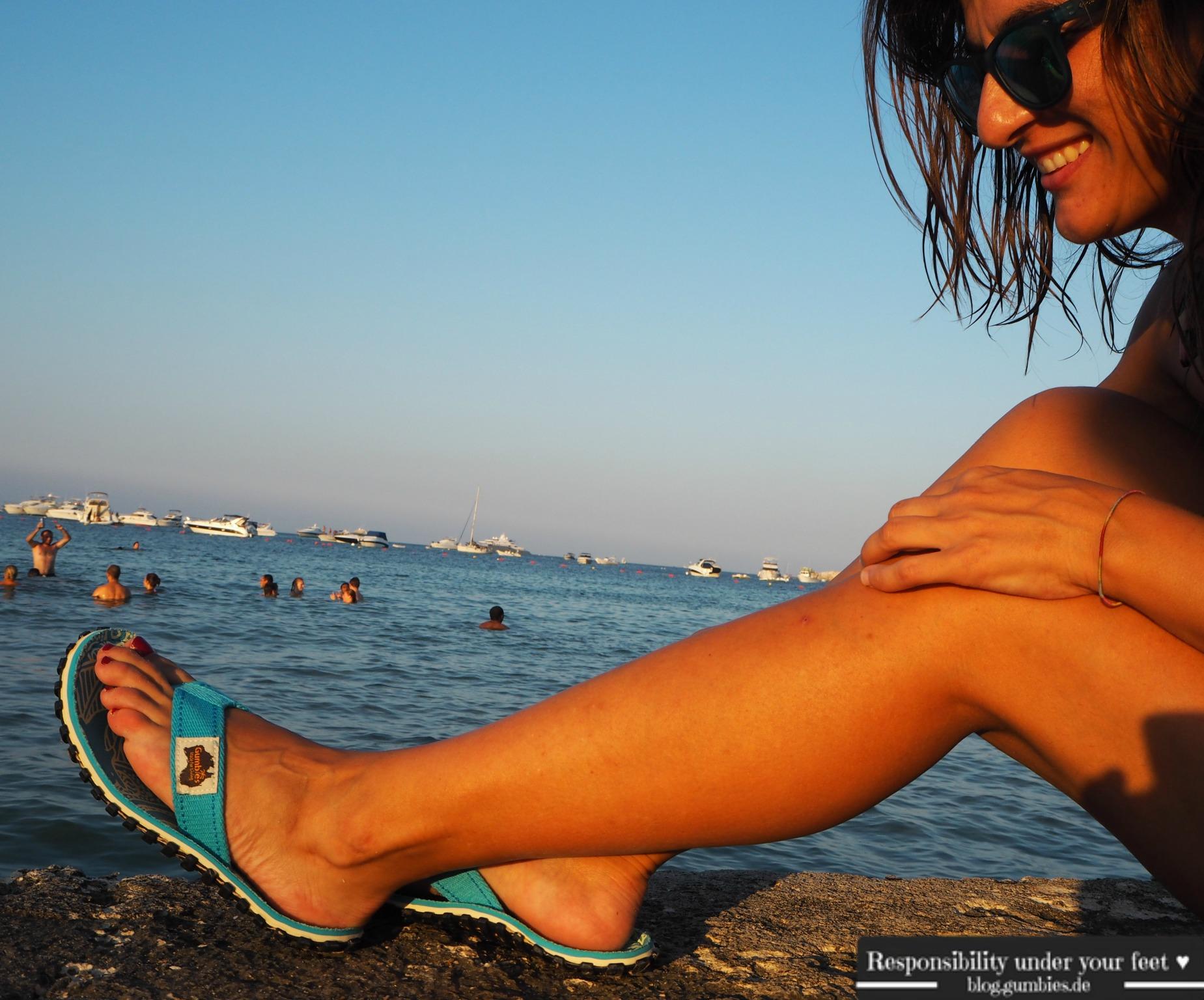 GUMBIES-Schuhe-am-Meer