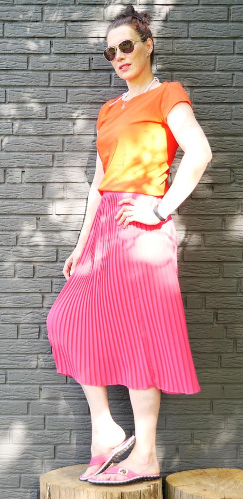 GUMBIES-Pink-Hibiscus-Sommer-Look